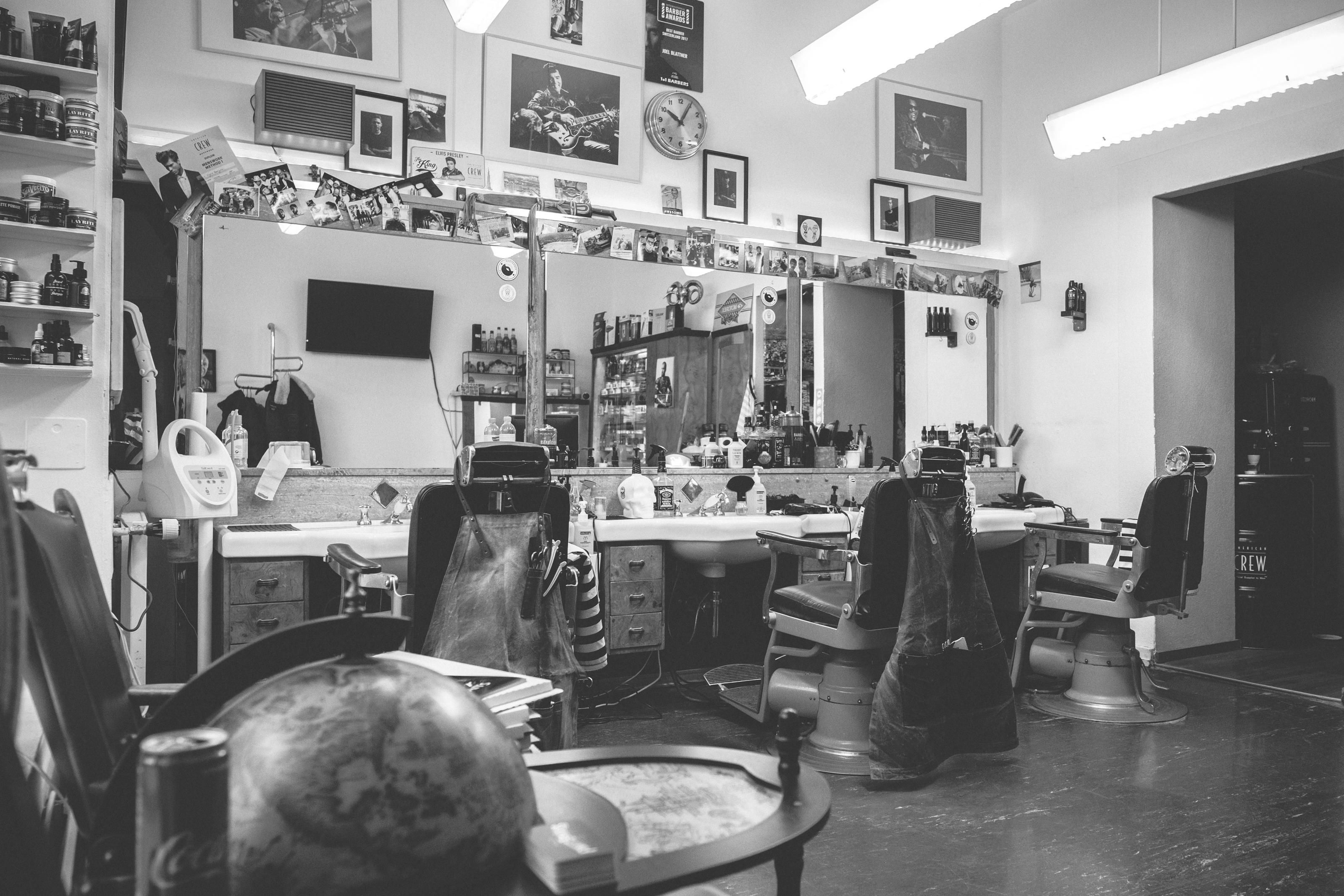 Engels The Barber SHop